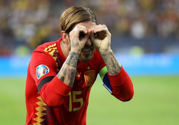 Ramos nhận loạt chỉ trích từ CĐV Man Utd vì lỡ lời - Bóng Đá