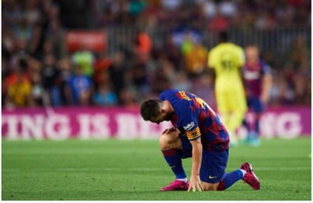 Messi lại gục ngã, CĐV Barcelona nói gì? - Bóng Đá
