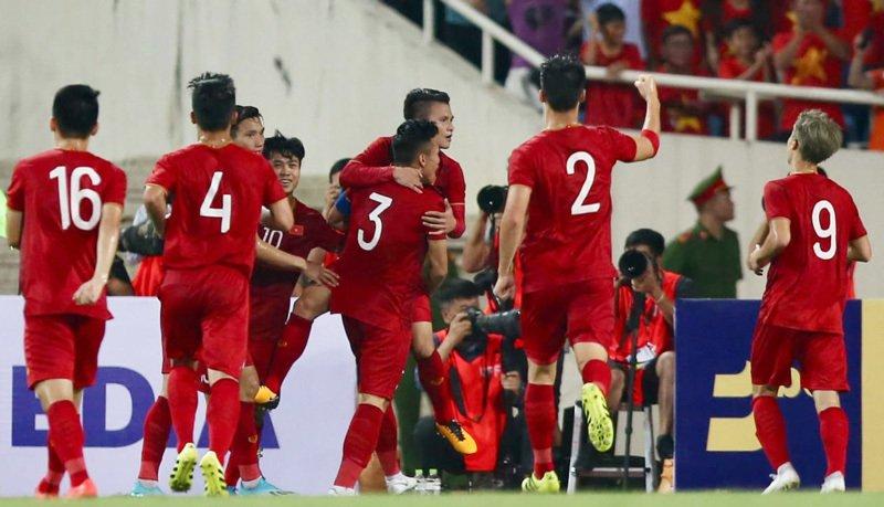 Điểm tin trưa 12/10: Ronaldo rực sáng, Việt Nam sáng cửa tại VL World Cup - Bóng Đá