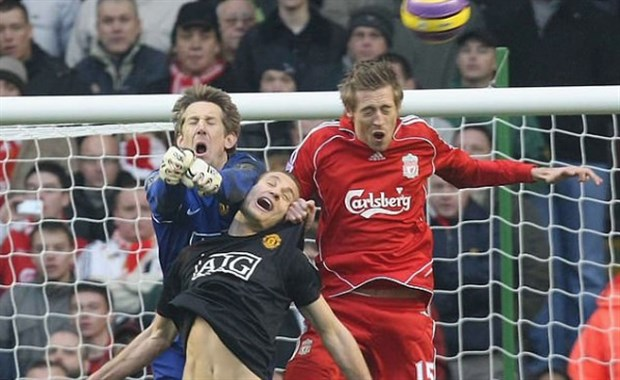 CĐV Liverpool tức điên vì Vidic