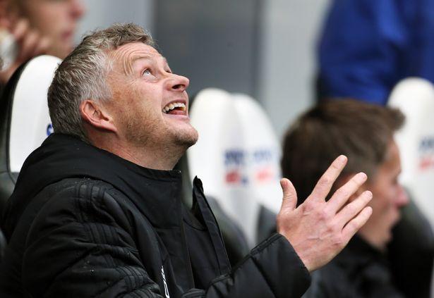 Hết Pogba, Man Utd mất thêm trụ cột trước đại chiến với Liverpool - Bóng Đá