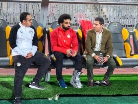 Bó cả chân, tuyển Ai Cập vẫn buộc Salah phải ra sân? - Bóng Đá