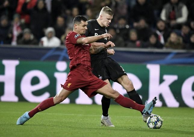 Liverpool thi đấu, người Man Utd xuất hiện để làm gì? - Bóng Đá