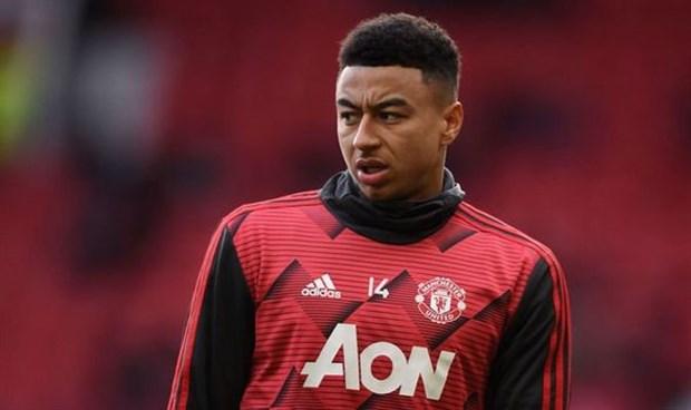 Không ra sân, Lingard vẫn bị CĐV Man Utd