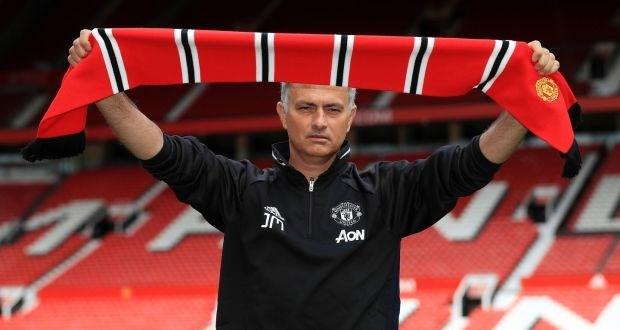 CĐV Man Utd hả về vì màn