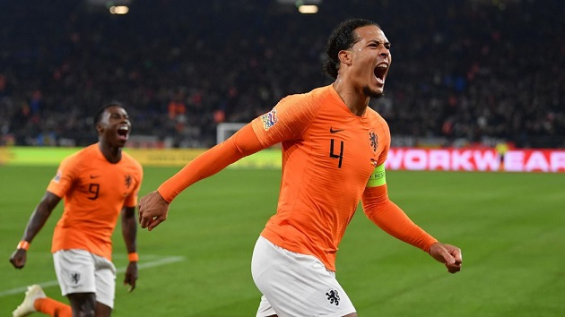 International teammate hails 'absolute beast' van Dijk - Bóng Đá
