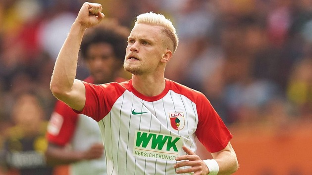 Diario Sport: Liverpool in talks with Augsburg over £18m left-back - Bóng Đá