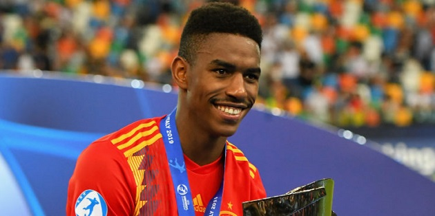 LIVERPOOL TARGET JUNIOR FIRPO ON THE BRINK OF JOINING BARCELONA - Bóng Đá
