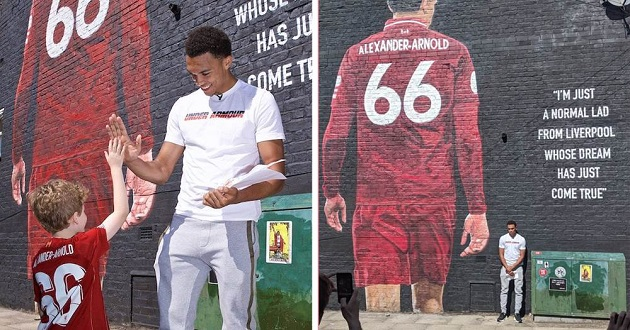 'You've got to be ready to be a role model': Trent gets first look at his mural - Bóng Đá