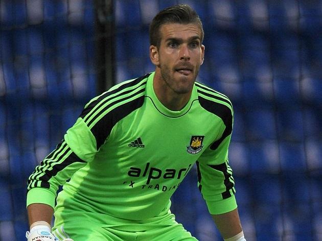 Adrian opens up on reasons behind LFC move - Bóng Đá