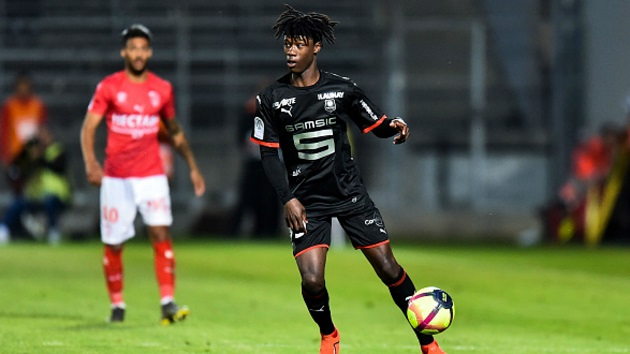 Report reveals Arsenal and Spurs both failed with transfer offers for Ligue 1 wonder-kid during summer - Arsenal và Spurs thất bại vụ Camanvinga - Bóng Đá