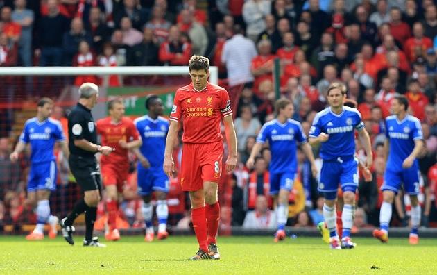 Carragher recalls how Suarez bit Ivanovic - and how it bizarrely affected Liverpool's PL title challenge - Bóng Đá
