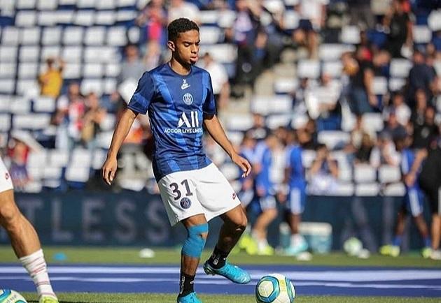 Everton to move for Paris Saint-Germain defender Colin Dagba? - Bóng Đá