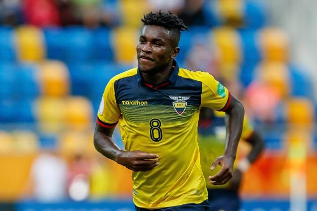 Watford 'eye swoop for Ecuador attacker Jose Cifuentes' - Bóng Đá