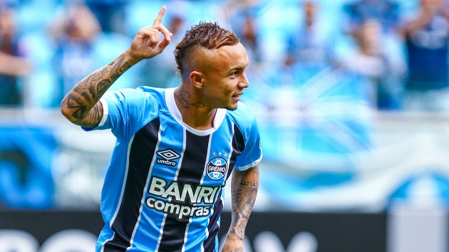 Report: Tottenham want Gremio attacker Everton Soares - Bóng Đá