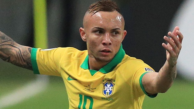 AC Milan to end interest in Tottenham-linked Everton Soares - Bóng Đá