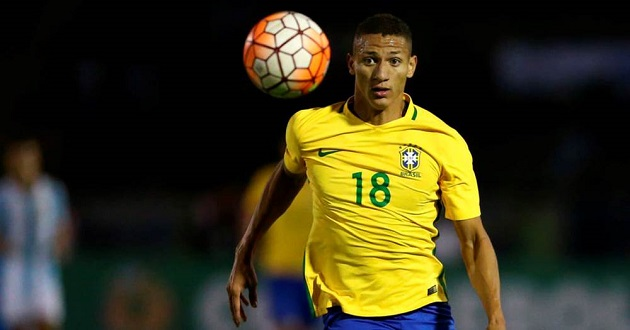Brazil media place Everton's Richarlison between rock and hard place with question about Liverpool - Bóng Đá