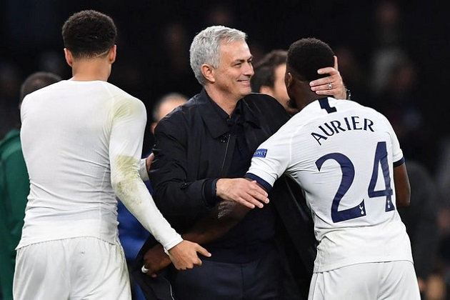 Rio Ferdinand says Serge Aurier has benefitted from Jose Mourinho's arrival as Tottenham ace stars in win - Bóng Đá