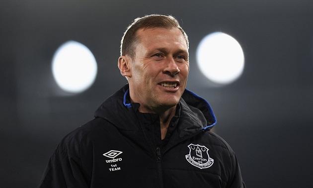 Ferguson could assume caretaker role for the derby if Silva is sacked - Bóng Đá