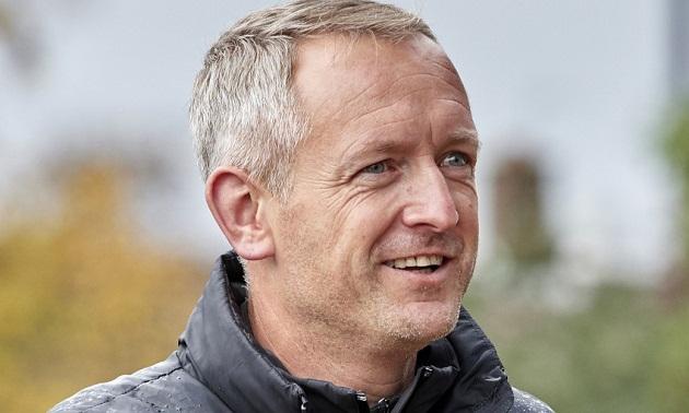 Neil Critchley previews Carabao Cup clash against Aston Villa - Bóng Đá