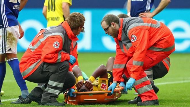Batshuayi chấn thương: Dortmund lâm nguy,