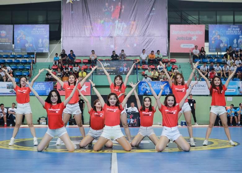 Nửa chặng đường đáng nhớ của giải Futsal VFL - Bóng Đá