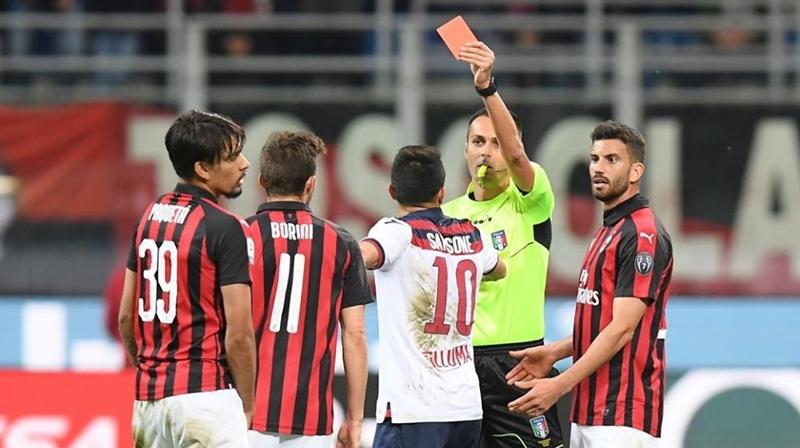 CHÍNH THỨC: Đánh trọng tài, sao AC Milan nhận án phạt cực nặng - Bóng Đá