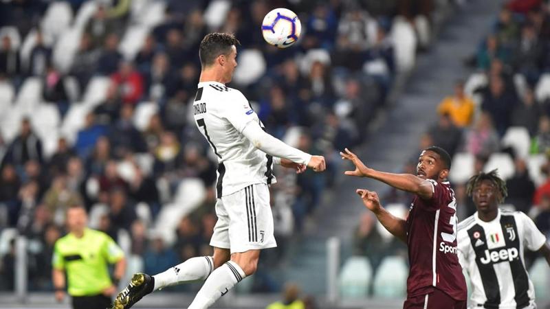 """""""Ronaldo ở Juventus 1 năm nhưng làm tốt hơn 3 năm ở Real Madrid"""" - Bóng Đá"""