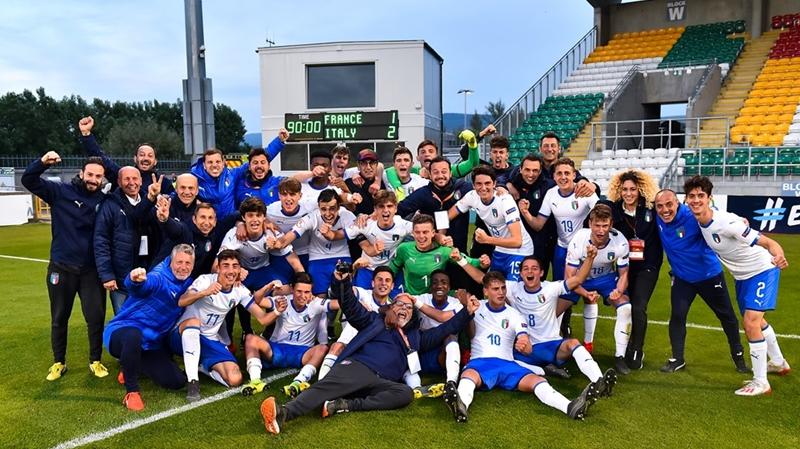 Tin được không? Người Italia sắp vô địch Euro - Bóng Đá
