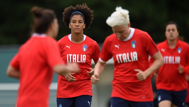 Nữ Italia chiến World Cup - Bóng Đá