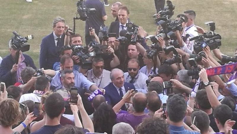 Tân Chủ tịch ra mắt, người hâm mộ Fiorentina có hành động khó tin - Bóng Đá