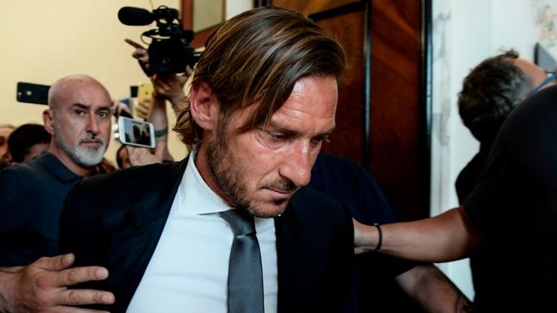 """Francesco Totti: """"Người Mỹ muốn đuổi người Roma ra ngoài"""" - Bóng Đá"""