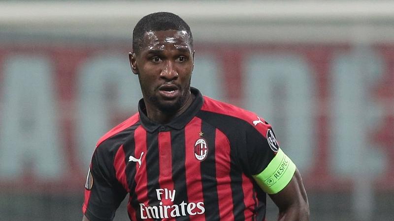 Milan mua Zapata - Bóng Đá