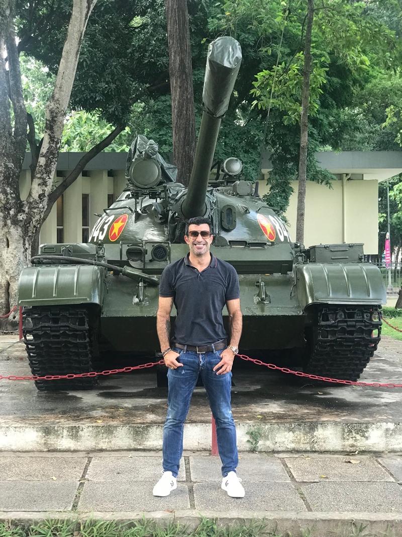 NÓNG! Luis Figo đang có mặt ở Tp.HCM - Bóng Đá