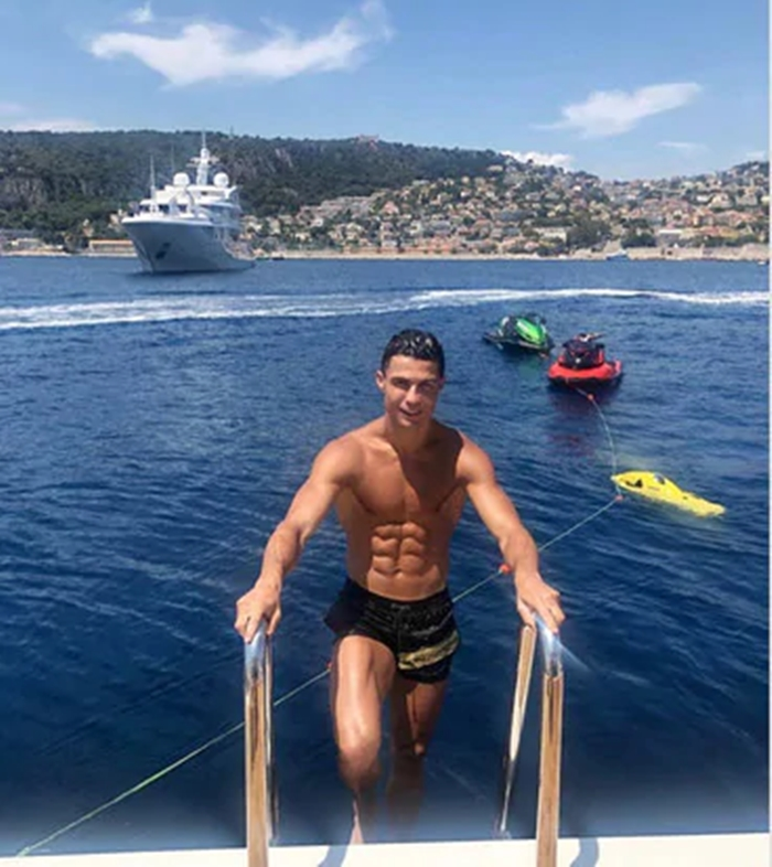 Mùa hè của sao Serie A: Người đi biển, kẻ sang châu Á - Bóng Đá
