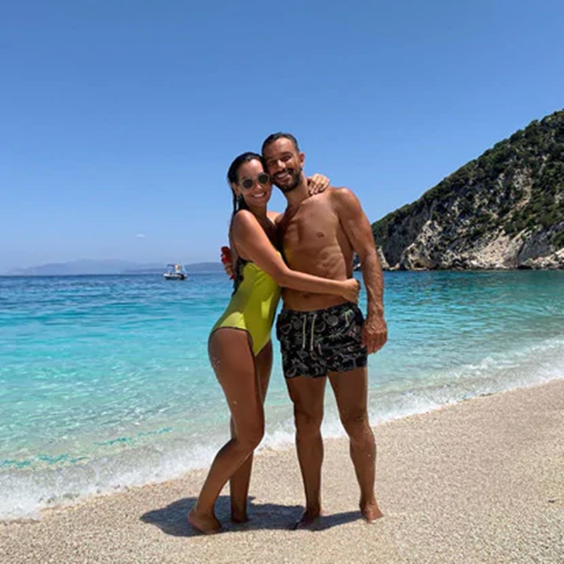 Vua phá lưới Serie A cùng bạn gái hoa hậu thư giãn trên du thuyền - Bóng Đá
