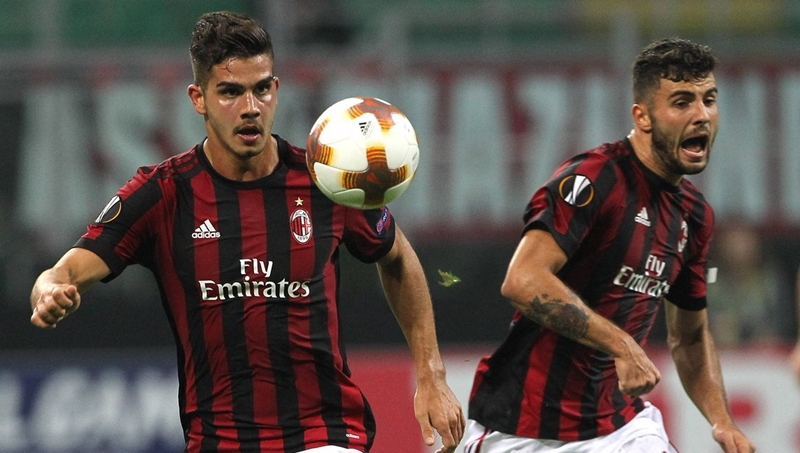 AC Milan đau đầu tìm người đá cặp với Piatek - Bóng Đá