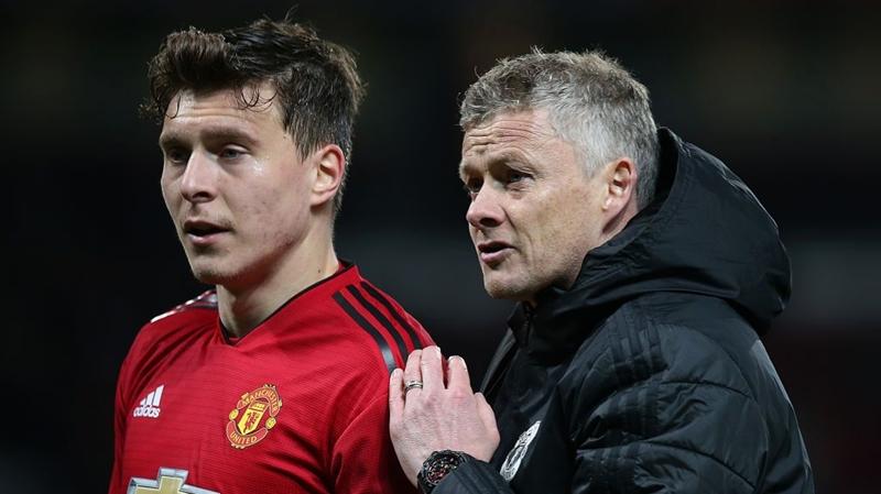 Victor Lindelof: Người không thể đụng đến ở Man Utd - Bóng Đá