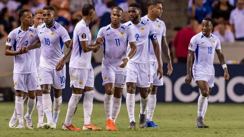 Bạn còn nhớ Leandro Bacuna, sao Premier League từng đánh bại Việt Nam ở King's Cup 2019? - Bóng Đá