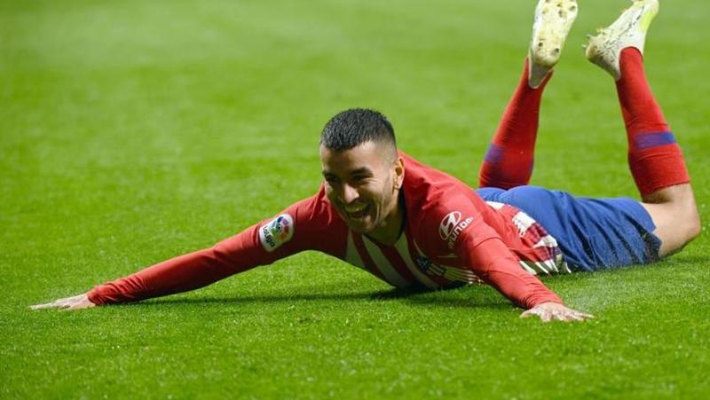 """Này AC Milan, sao 40 triệu euro ấy có hơn gì """"hậu duệ Ronaldo""""? - Bóng Đá"""