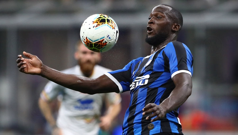 Hình ảnh ấn tượng của Romelu Lukaku trong trận gặp Lecce - Bóng Đá