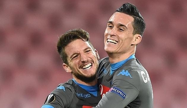 Napoli gia hạn hợp đồng với Mertens và Callejon - Bóng Đá