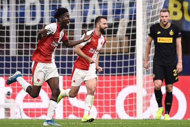Ảnh trận Inter Milan 1-1 Slavia Praha - Bóng Đá