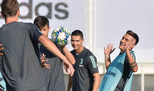 Ảnh tập của Juventus trước trận gặp Bayer Leverkusen - Bóng Đá