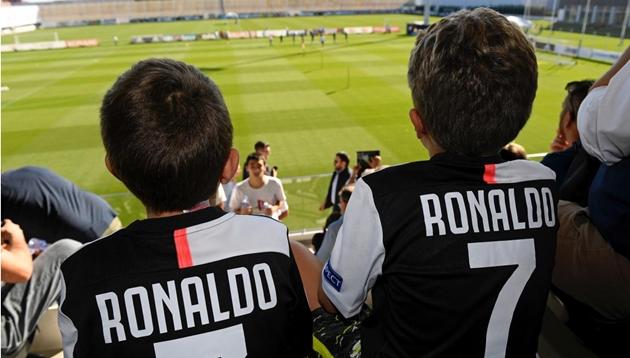 Ảnh tập của Ronaldo và các đồng đội - Bóng Đá