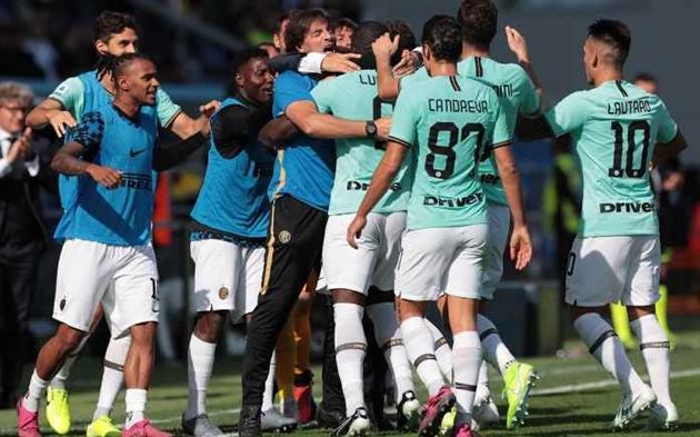 Đánh bại Sassuolo, Inter Milan vẫn để lộ