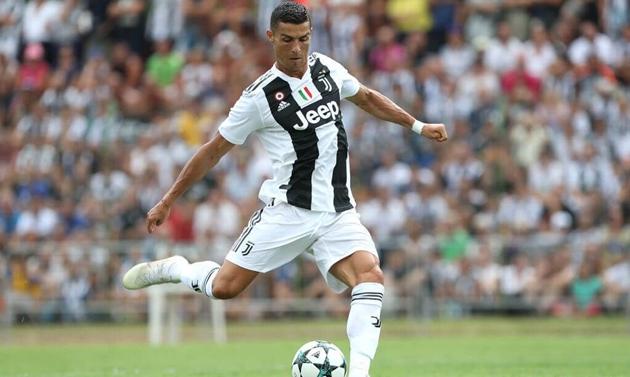 Cristiano Ronaldo đang chờ đợi bàn thắng đầu tiên cho Juventus từ chấm đá phạt - Bóng Đá