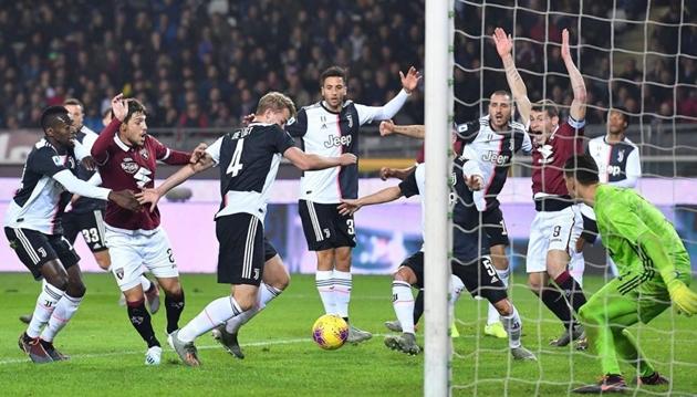 Il Bianconero chỉ ra lí do De Ligt không bị thổi phạt ở trận gặp Torino - Bóng Đá