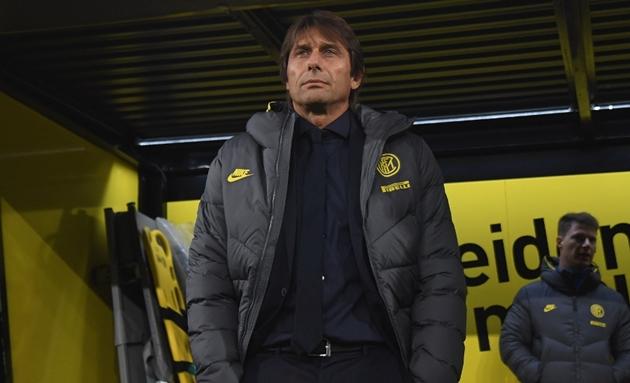 HLV Antonio Conte đã có mặt ở Signal Iduna Park.