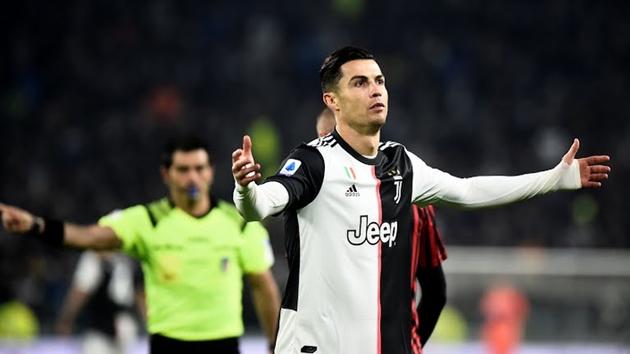 Szczesny nói về việc Ronaldo tức giận khi rời sân - Bóng Đá